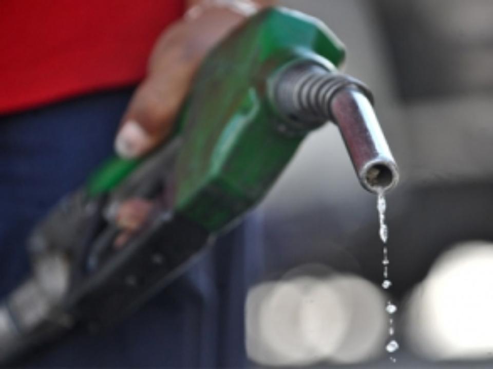 Минфин Эстонии: повышение акциза на топливо может заставить заправляться в Латвии