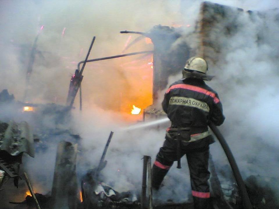 Трое детей погибли на пожаре в Усолье-Сибирском Трое Детей