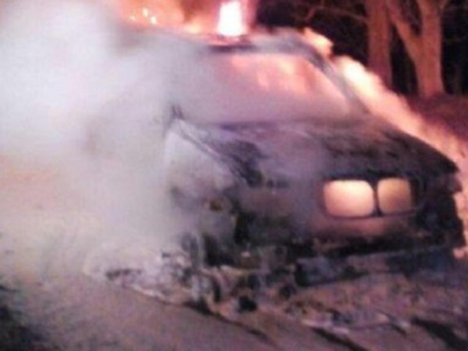 Автомобиль БМВ X5 навсе 100% сгорел настанции «Батарейная»