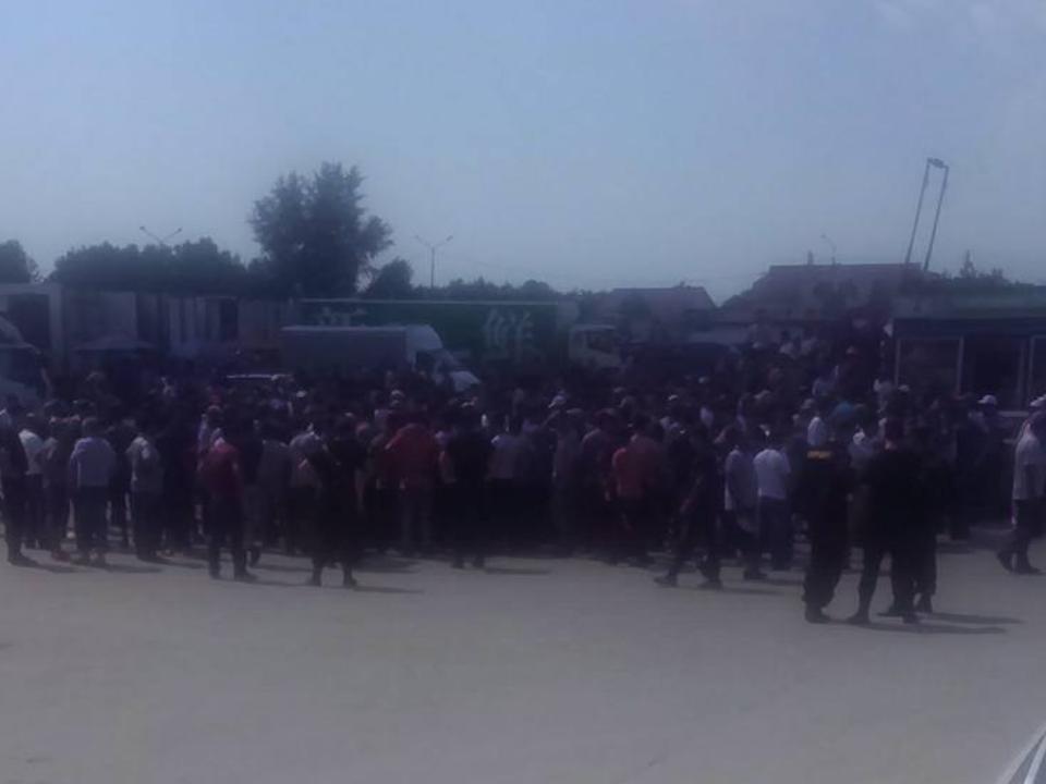 НаХилокском рынке вНовосибирске произошла крупная потасовка