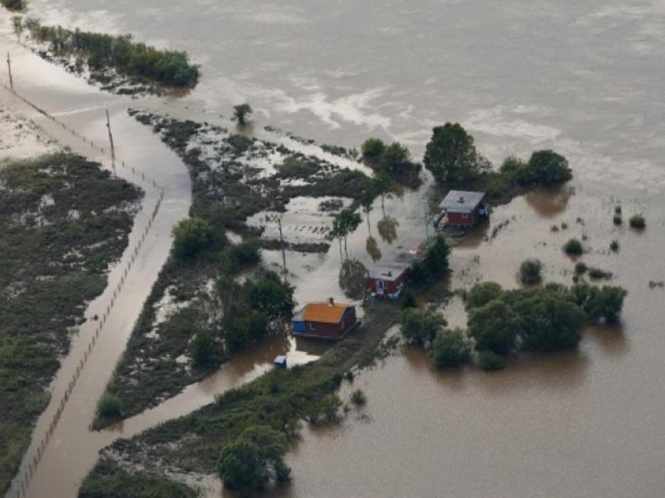 Напострадавшие отпаводка регионы Россиии обрушился тайфун