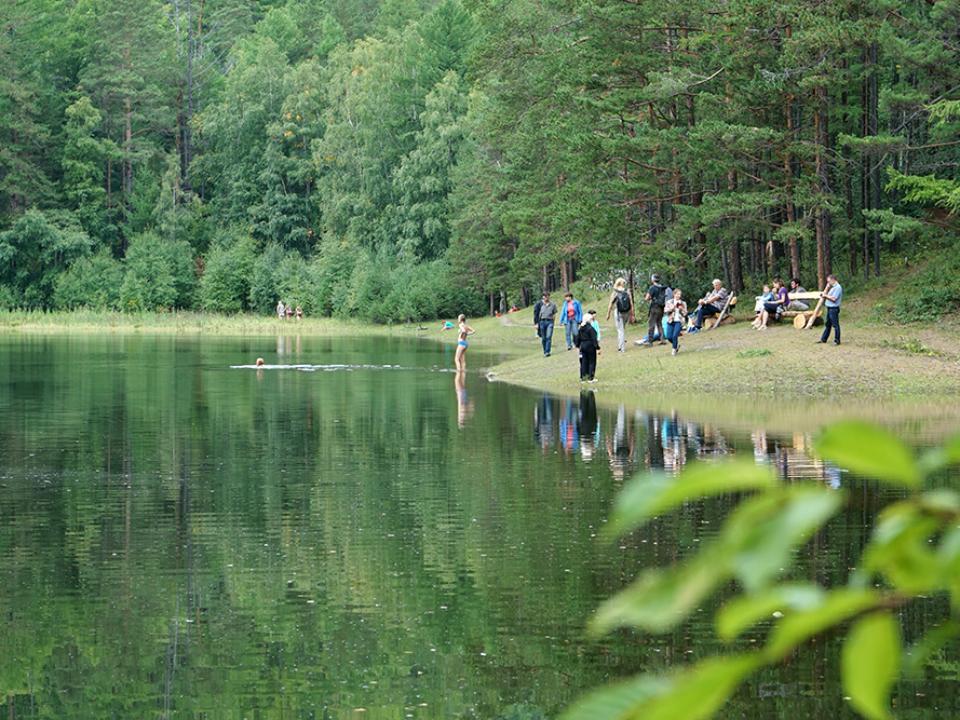 Сухое озеро в огромном Голоустном заполнилось водой впервый раз за 4 года