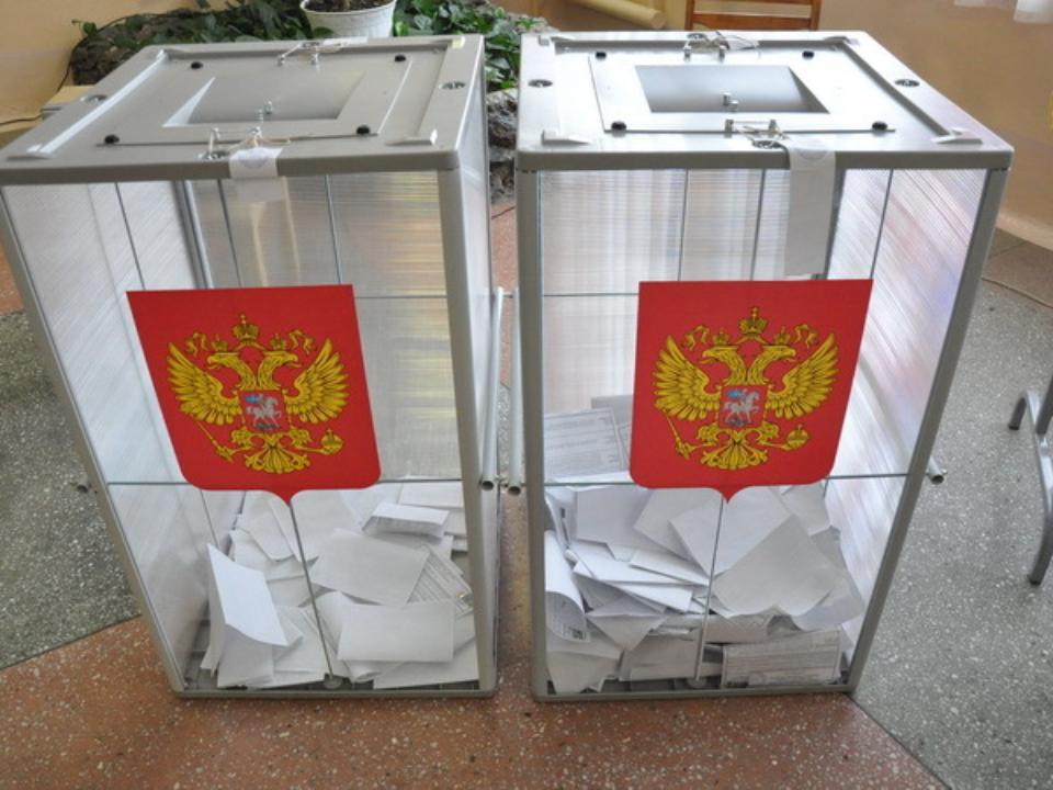 ЕРнабирает неменее 50% голосов после обработки половины всех протоколов