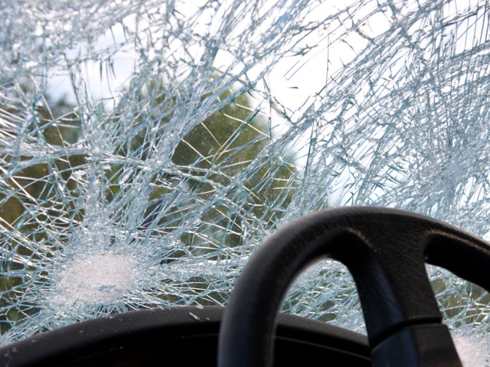 ДТП вУсольском районе: Встолкновении Мазда с«Таврией» пострадали двое детей