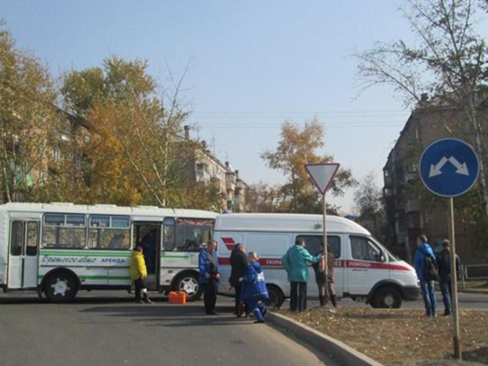 ВБратске вДТП сучастием автобуса №11 пострадали 8 человек