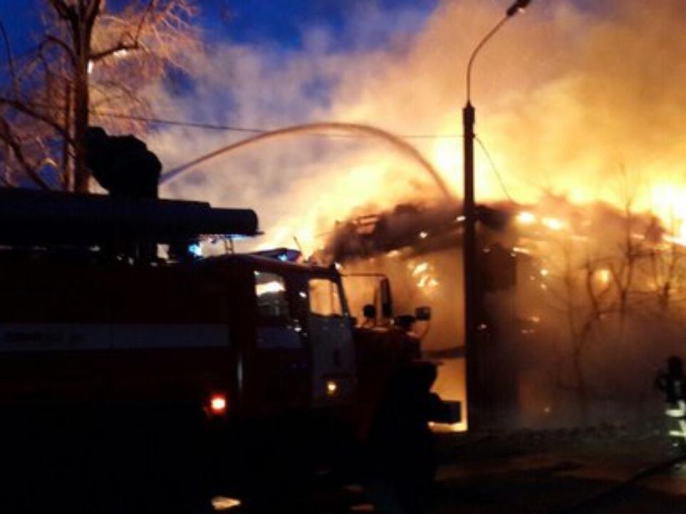 ВУлан-Удэ произошёл сильный пожар напр.Автомобилистов