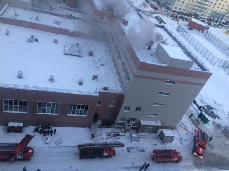 Веще несданной вэксплуатацию школе наГорском жилмассиве вспыхнул пожар