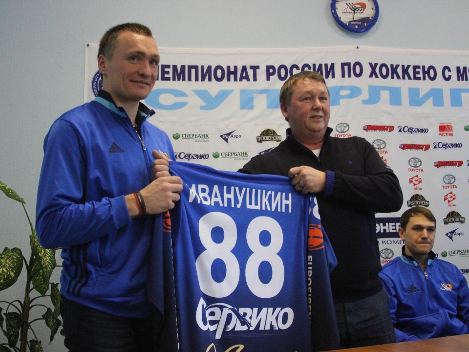 Евгений Иванушкин забил шесть мячей вматче сульяновской «Волгой»