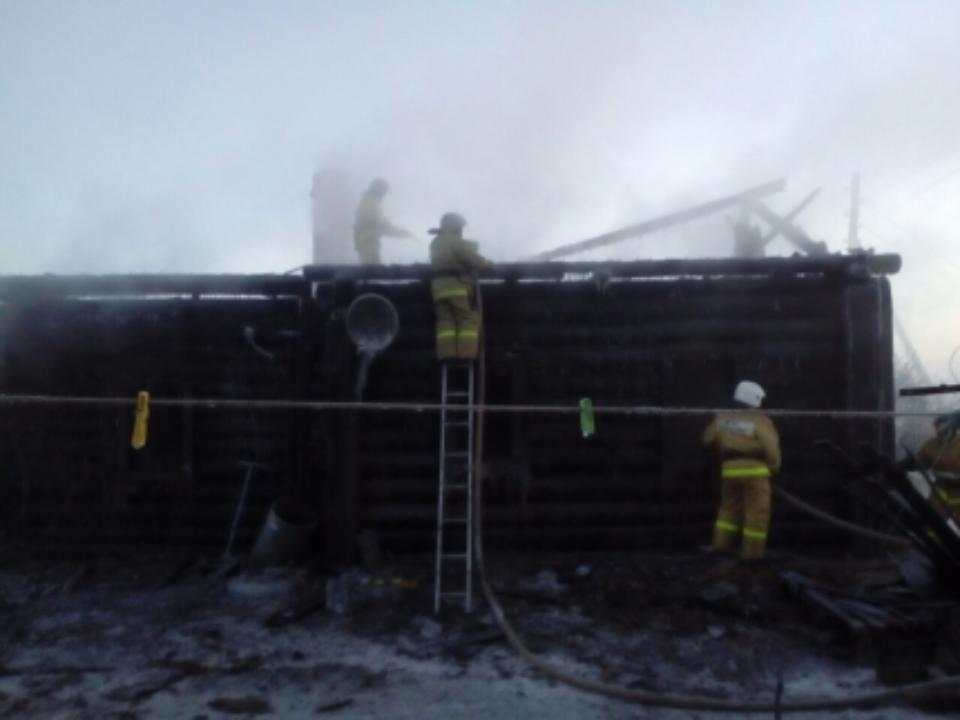 Семья с 2-мя детьми погибла впожаре вИркутской области