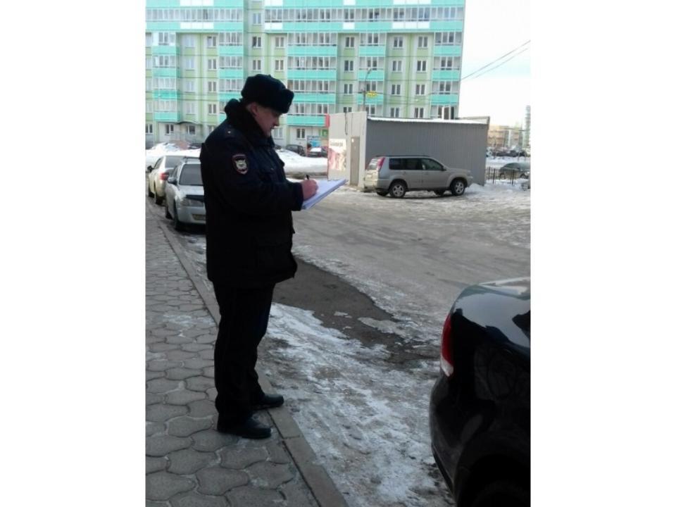 Граждане дома в«Северном» утром обнаружили раскуроченными 10 машин водворе