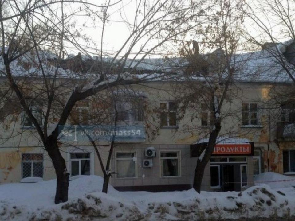 Кровля рухнула водном издомов наБогдана Хмельницкого вНовосибирске