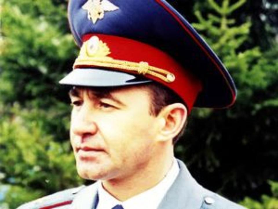Юриста игенерала милиции осудили замахинации на10 млн руб.