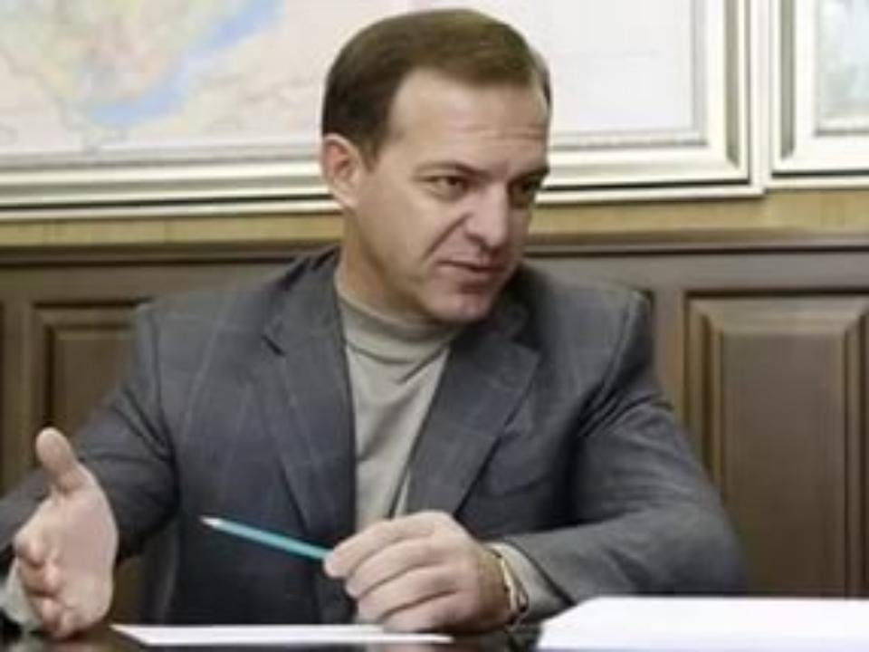 Следственный комитет возбудил несколько уголовных дел вотношении Олега Геевского