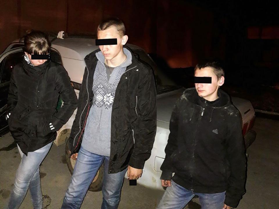 2-х братьев, один изкоторых школьник, задержали заугоны авто вИркутске