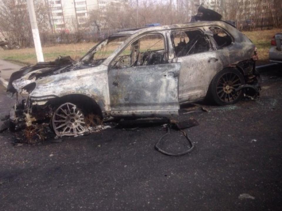 ВОмске ночью сгорел Порш Cayenne