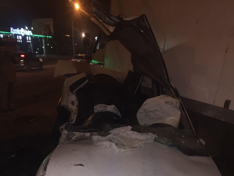 ВИркутске три человека пострадали вДТП смаршруткой