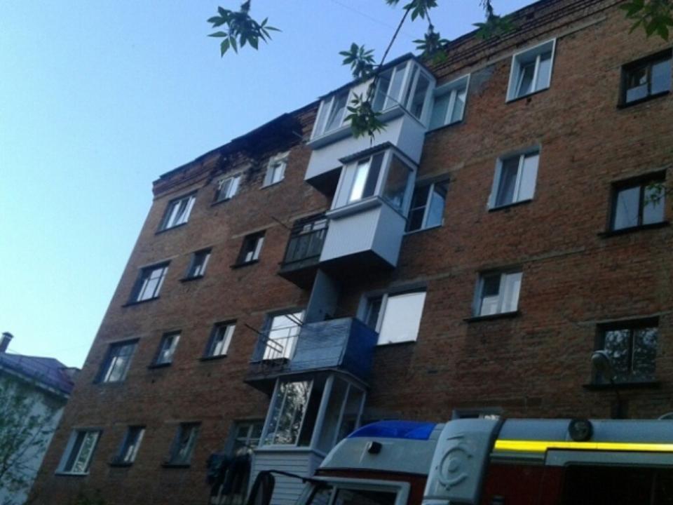 Часть стены пятиэтажного дома обрушилась вОмске