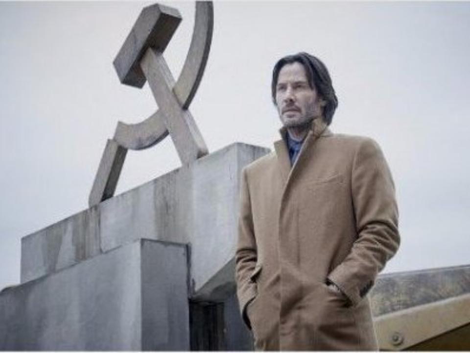 Киану Ривз снялся на фоне серпа и молота в фильме «Сибирь»