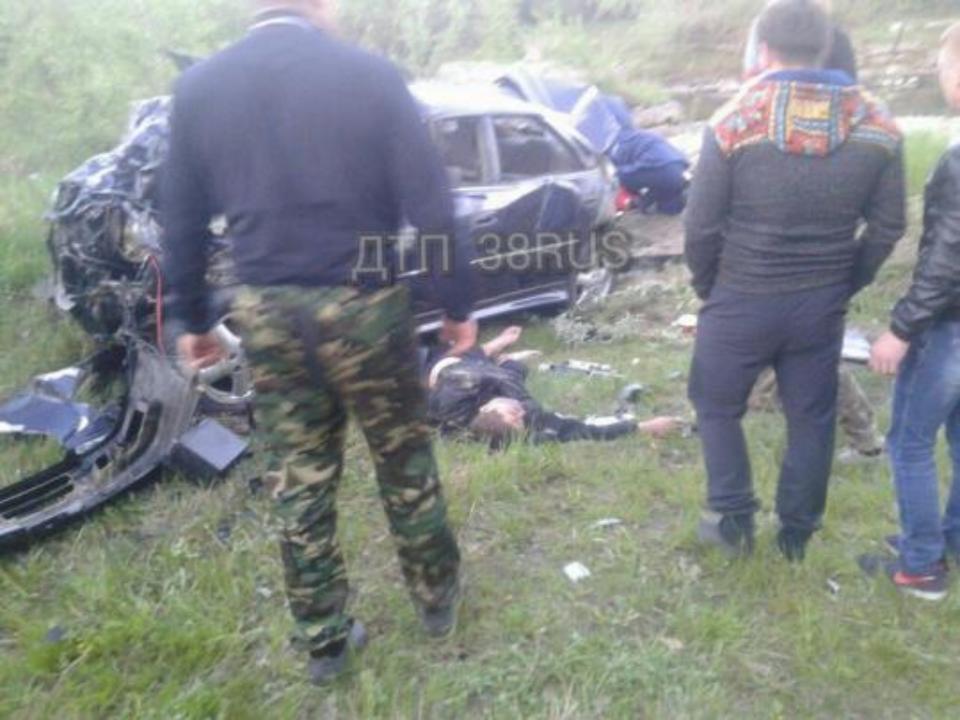 Смертельное ДТП: вИркутске иностранная машина вылетела смоста, двое погибли