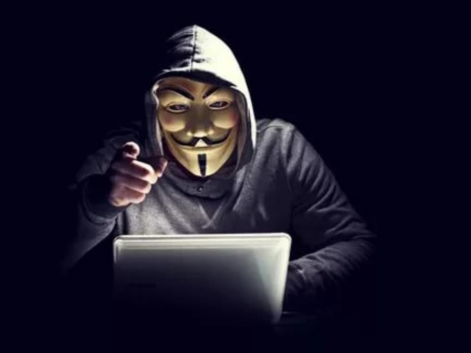 ВАнгарске хакер следил задевушками через ихкомпьютеры