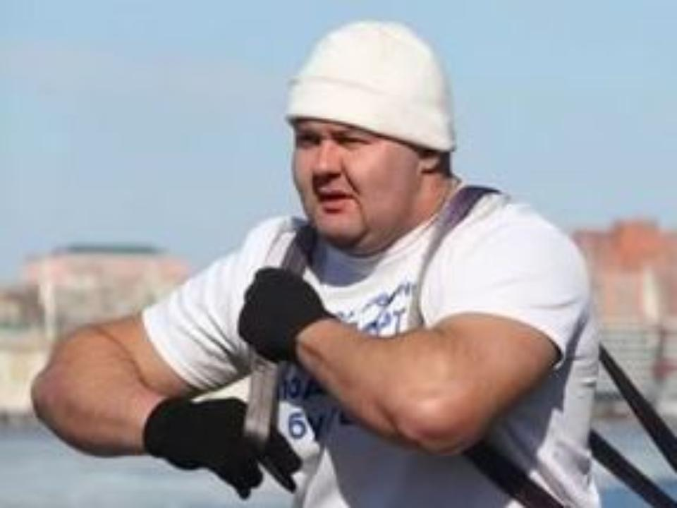 Приморский силач Иван Савкин установил новый рекорд, который посвятил Владимиру Путину