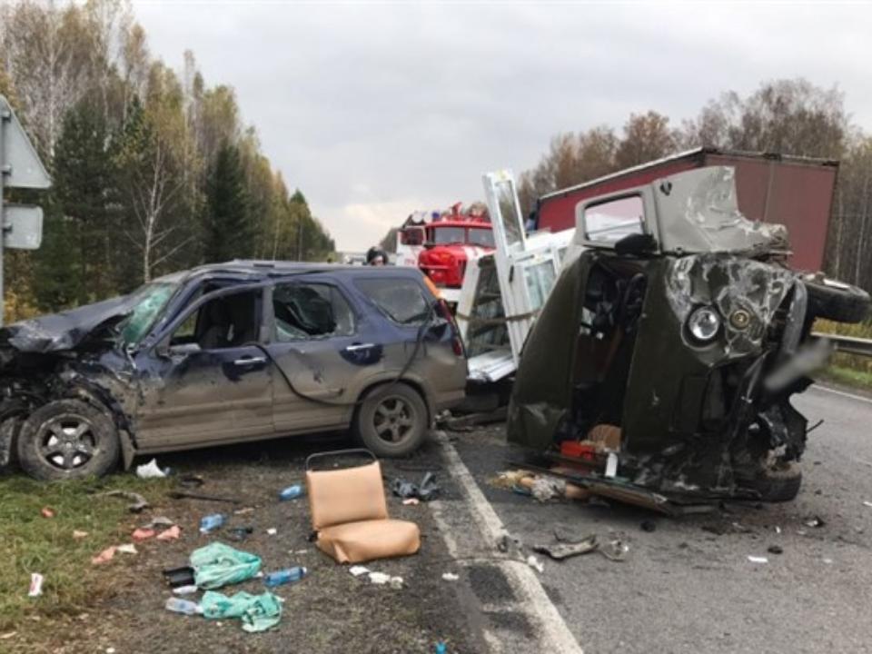 Мариинск: Два человека пострадали вжутком ДТП натрассе Томск