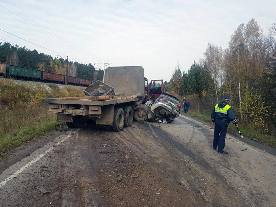 Два человека погибли вДТП вШелеховском районе