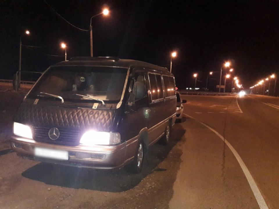 Насибирской трассе словили нетрезвого водителя маршрутки спассажирами