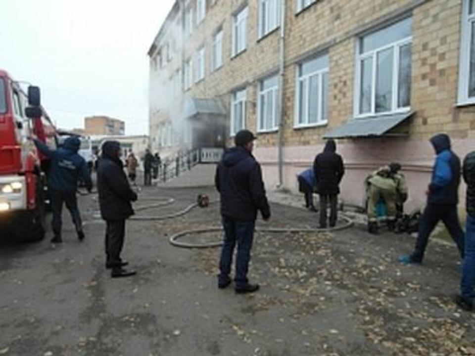 ВКрасноярске 450 человек были эвакуированы из-за возгорания в помещении колледжа