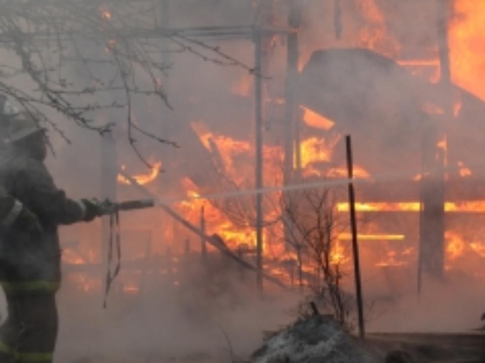 Впожаре в личном доме вХабаровске погибли двое детей