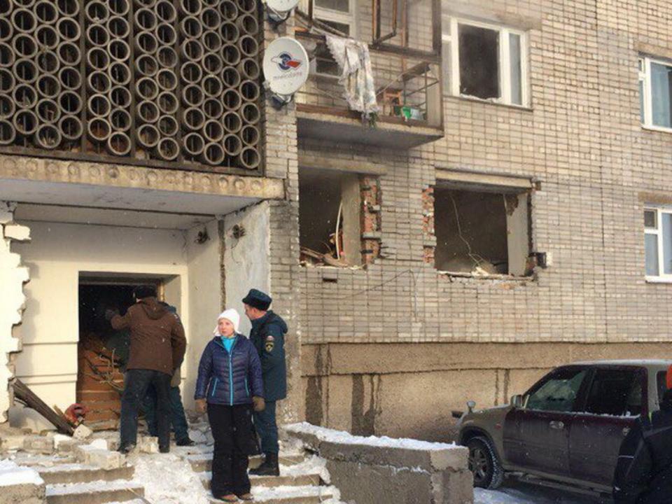 В РФ из-за взрыва газа впятиэтажке обрушились перекрытия