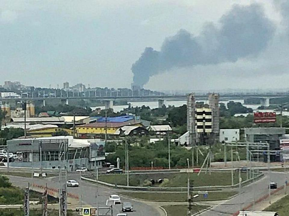 НаИркутском авиазаводе зажегся один изцехов