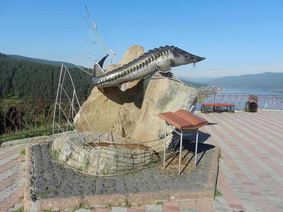 Царь-рыбу сосмотровой площадки наСлизнево увезли нареставрацию